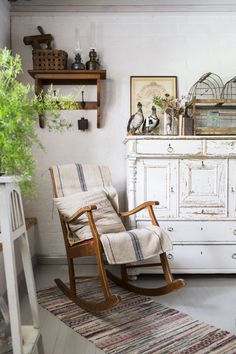 Home Decor Styles .Home Decor Styles Country Interior, Country Farmhouse Decor, French Country Decorating, Home Interior, Country Cottage Furniture, Cottage Decorating, Interior Livingroom, Shabby Chic Homes, Shabby Chic Decor