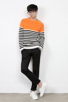 Korean fashion men are known all over the world for their dressing sense and trendy styling. Now let's have a sense of what Korean fashion. Korean Fashion Online, Korean Fashion Trends, Korean Street Fashion, Asian Fashion, Look Fashion, Mens Fashion, Fashion Ideas, Korean Male Fashion, Trendy Fashion