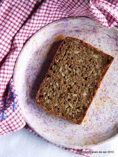 Immer schön abwechselnd versuche ich uns ein helleres und ein vollkornlastigeres Brot zu backen. Dieses von Marlene  habe ich schon öfte...