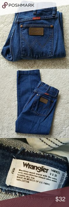 TODAY~WRANGLER JEANS WRANGLER JEANS SIZE TAGGED: 9x30 MEASURED: W27 3/4 L26 1/2 RISE:12   HIPS:36 THEY'VE BEEN HEMMED FROM A 30 LENGTH...COULD BE LET OUT. Wrangler Jeans Straight Leg