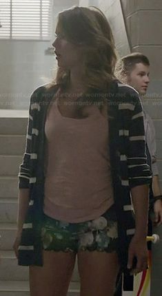 Malia's blue striped cardigan and floral scalloped shorts on Teen Wolf. Outfit Details: http://wornontv.net/35229/ #TeenWolf
