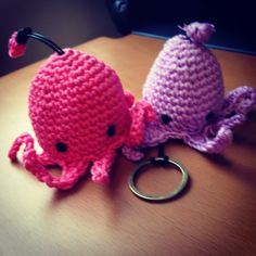Crochet Key Cozy heartmadehandmade http://heartmadehandmade.wordpress.com/ https://facebook.com/heartmadehandmade