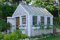 Building a garden storage shed can be the perfect way to organize your gardening tools and equipment. Here are mistakes to avoid when building a shed. Garden Organization, Garden Storage Shed, Toronto Gardens, Composting At Home, Greenhouse Shed, She Sheds, Building A Shed, Small Buildings, Shed Design