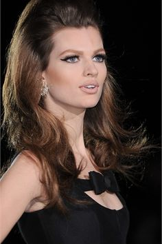 Perfect Layered Wavy Hairstyles for long Hair / DSquared2