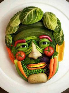 Funny Face, 20 Creative Edible Arrangment Ideas, http://hative.com/creative-edible-arrangment-ideas/,