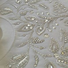 @mathiasbroderie - #broderie #embroidery #broderiemain #handembroidery #glazig #quimper #blanc #white #perles #beads #perlage #beading - #regrann