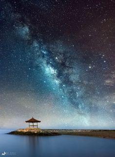 Milky way over Jetty