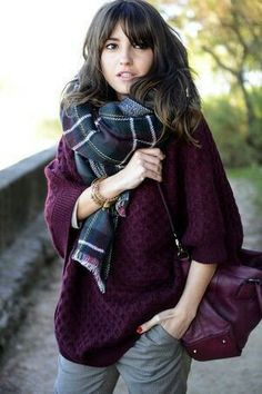 I love the color of this sweater. I love the texture. I don't like those sleeves, it's too puffy for my tastes. I wouldn't mind a skinny jean in grey (even though I know that is not what she has on).