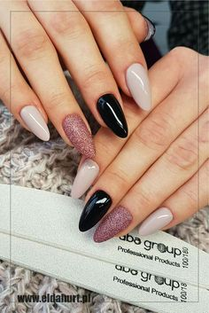 56 Trending Deep Winter Nail Colors And Designs For 2019 The Deep Winter Nail Art Designs are so perfect for Hope they can inspire you and read the article to get the gallery. Love Nails, Pretty Nails, Gorgeous Nails, Cute Acrylic Nails, Nagel Gel, Almond Nails, Winter Nails, Spring Nails, French Nails