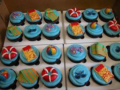 Beach cupkakes Beach Theme Cupcakes, Themed Cupcakes, Beach Themes, Sweet Tooth, Deserts, Baking, Eat, Food, Desserts