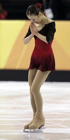 black and red figure skating dress, fumie suguri, 2006 Olympics