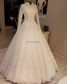 - [board_name] - Hochzeitskleid Simple Long Dress, Simple Elegant Dresses, Beautiful Long Dresses, Elegant Wedding Dress, Wedding Simple, Dress Long, Muslimah Wedding Dress, Muslim Wedding Dresses, Dream Wedding Dresses