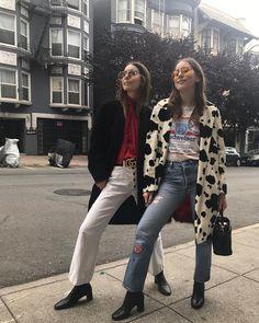 Danielle Haim in Gucci and Alana Haim Fashion Killa, Look Fashion, Fashion Outfits, Fashion Trends, Fall Fashion, Haim Style, Danielle Haim, Blair Waldorf, Poses