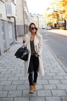 Tips para que tus Timberland hagan match con tus outfits formales Outfits Con Botas Timberland, Mode Timberland, Timberland Stiefel Outfit, Timberland Boots Women, Timberland Fashion, How To Wear Timberlands, Black Timberlands, Fashion Mode, Look Fashion