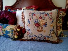 I bought a set of tapestry and I made pillows !