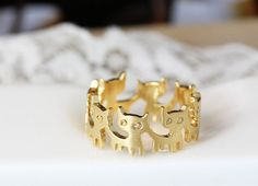 • Lovely kitty band ring with so much fun !    • Retro silver tone plated surface, white silver or yellow gold plated brass • Size is only 7.5US size