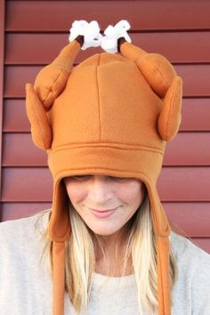 How to sew a turkey hat to wear this Thanksgiving! Comes with free fleece turkey hat sewing pattern for adults.