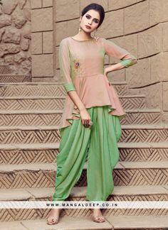 2018 Indian Fashion: Shraddha Kapoor in a peplum style kurt and dhoti style salwaar in mustard yellow and cream. Ladies Kurti Design, Kurta Designs Women, Salwar Designs, Blouse Designs, Dress Neck Designs, Indian Designer Outfits, Indian Outfits, Indian Dresses, Patiyala Dress