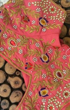 We will customise maggam work blouses. To order please WhatsApp to 91 8555892936 Simple Embroidery, Hand Embroidery Designs, Embroidery Patterns, Couture Embroidery, Indian Embroidery, Saree Blouse Neck Designs, Blouse Patterns, Maggam Work Designs, Mirror Work Blouse