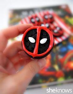 Easy-to-make Deadpool Oreo!