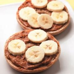 Talk about a grab-and-go breakfast: this bagel topped with nut butter and banana slices is ready in just 5 minutes and easy to eat on the run.