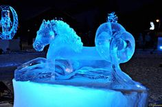 Hiver : statue de glace Cheval Marin.