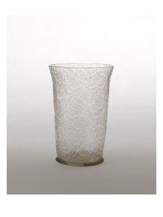 Grand gobelet évasé en verre craquelé - Musée national de la Renaissance (Ecouen)