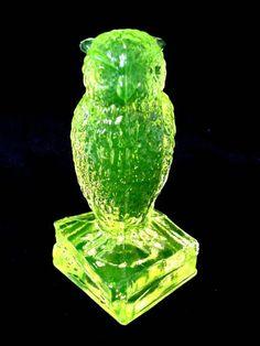 Marked Degenhart Yellow Green Vaseline Uranium Glass Owl Figurine Paperweight