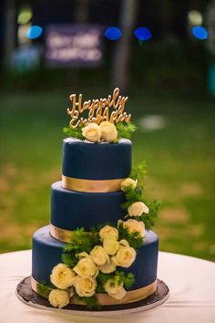 Hoi An Events Weddings - The wedding of your dreams come true Blue Wedding, Dream Wedding, Traditional Cakes, Hoi An, Cake Pops, Wedding Designs, Yummy Treats, Wedding Cakes, Destination Wedding