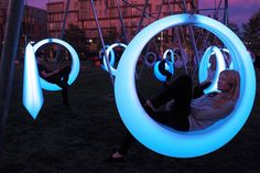 Swing Time is an interactive playscape formed of 20 illuminated ring-shaped swings. Howeler + Yoon Architecture: Swing Time Park in Boston Architecture Journal, Eco Architecture, Urban Landscape, Landscape Design, Garden Design, Park Swings, Design Thinking, Experimental, Interactive Art