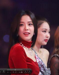 Blackpink Jisoo, Blackpink Fashion, Korean Fashion, Jessica Simpson Daisy Duke, South Korean Girls, Korean Girl Groups, Mma, Blackpink Photos, Jennie Blackpink