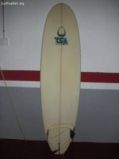 VENDO TABLA DE SURF TSA Tomguay Surfing Academy.Completamente nueva, en muy buen estado.Sin usar.7 0 x20 3/4 x 2 3/4 -89