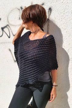 Poncho de punto poncho negro de lana chal de lana por EstherTg