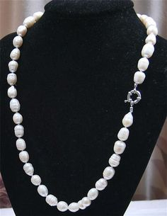 """HUGE Hand Knotted Genuine 14mm-to 18mm Creamy White Cultured TAHITIAN BAROQUE PEARL STRAND 17.5"""" NECKLACE <br/><br/>-These pearls are real natural TAHITIAN cream white Baroque pearls. <br/>-Pearls are in natural form and drilled. <br/>-Pearls are all individually knotted. <br/>-Spring Clasp. <br/>-Pearl range from approximately 14mm to 18mm <br/>Total length of strand is 17.5"""" <br/>Quality on Tahitian Scale: D <br/><br/>ahitian Pearls <br/><br/>These exotic Natural White Tahitian Pearls are…"""