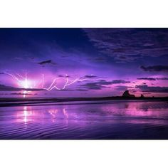 Playa Maderas #Nicaragua #thunderstorm #Beachlife #surfers Photo by : Go_ogle