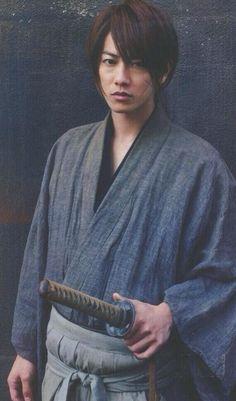 takeru sato and rurouni kenshin image Japanese Drama, Japanese Boy, Rurouni Kenshin Movie, Kenshin Le Vagabond, Male Kimono, Japanese Costume, Takeru Sato, Dramas, L5r
