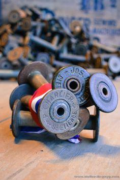lot de bobines de tissage en bois / carton anciennes