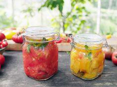Konserverade tomater | Recept från Köket.se Fruits And Veggies, Vegetables, How To Make Jam, Chutney, Homemaking, Food Inspiration, Pickles, Nom Nom, Food Porn