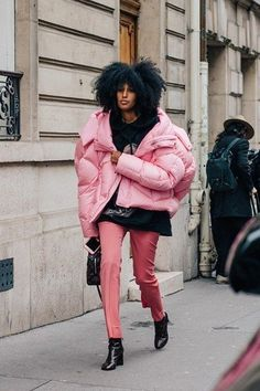 PFW: Six Best Street Style Trends - Style twins, stomping platforms and super-sized puffa jackets scored high on the streets of Paris Street Style Fashion Week, Street Style Trends, Street Styles, Outfits Inspiration, Mode Inspiration, Fashion Inspiration, Looks Street Style, Looks Style, New Yorker Mode
