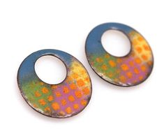 Get 30% off your next order when sign up for my newsletter here: www.pearlykarpel.com Blue Green orange pink yellow - - Round Enameled copper components - DIY enameled earrings - Torch Fired - circle 25mm- diy jewelry supplies The enamel copper were made by me, by fusing enameled