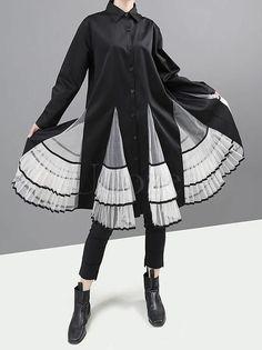 Raincoats For Women Polka Dots Mode Alternative, Alternative Fashion, Cool Outfits, Fashion Outfits, High Fashion, Womens Fashion, Character Outfits, Look Cool, Costume Design