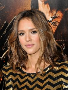 4.bp.blogspot.com _jSSTiIKi63s TP5_Yc3aTvI AAAAAAAAAEM UoC2JCJkvLA s1600 jessica-alba-hair.jpg