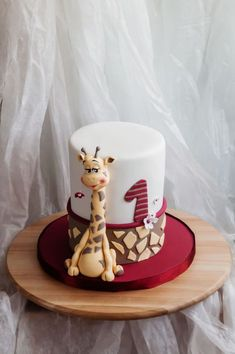- simple - giraffe, as her favourite toy - white and red as the clothing of the birthday girl Those were the desires of the family. Giraffe Birthday Cakes, Boys 1st Birthday Cake, Giraffe Cakes, Unique Birthday Cakes, Novelty Birthday Cakes, Birthday Ideas, Panda Bear Cake, Animal Cakes, Cakes For Boys
