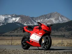 2008-Ducati-Desmosedici-RR-2.jpg (1024×768)