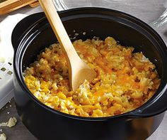 These one pot meals will help you get easy, hearty dinners on the table quick—because we know you don't have time to waste. These one pot meals will help you get easy, hearty dinners on the table quick—because we know you don't have time to waste. Pampered Chef Party, Pampered Chef Recipes, Baker Recipes, Cooking Recipes, Healthy Cooking, Cooking Videos, Rockcrok Recipes, Crockpot Recipes, Soup Recipes
