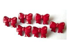 10 Vintage buttons bows pink to red plastic vintage by oritdotan, $3,00