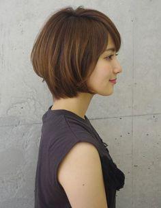 まとまりある上品大人シルエットボブ(ko-50)   ヘアカタログ・髪型・ヘアスタイル AFLOAT(アフロート)表参道・銀座・名古屋の美容室・美容院