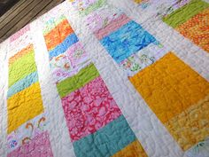 free pattern for baby quilts   Happy Charms quilting detail