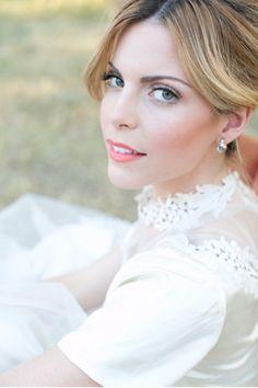 natural wedding makeup  ~  we ❤ this! moncheribridals.com #naturalbridalmakeup #EidelPrecious Wedding Day Makeup, Natural Wedding Makeup, Wedding Make Up, Bridal Makeup, Wedding Bride, Perfect Wedding, Bold Lips, Natural Looks, Wedding Inspiration