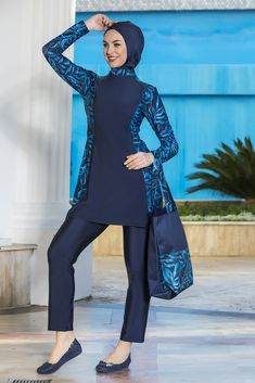 The product is 3 pieces as top,bone, and legging. Print details give it sensational look. Islamic Swimwear, Hijab Outfit, Rip Curl, Hijab Fashion, African Fashion, Summer Outfits, Swimsuits, Niqab, Swim Wear